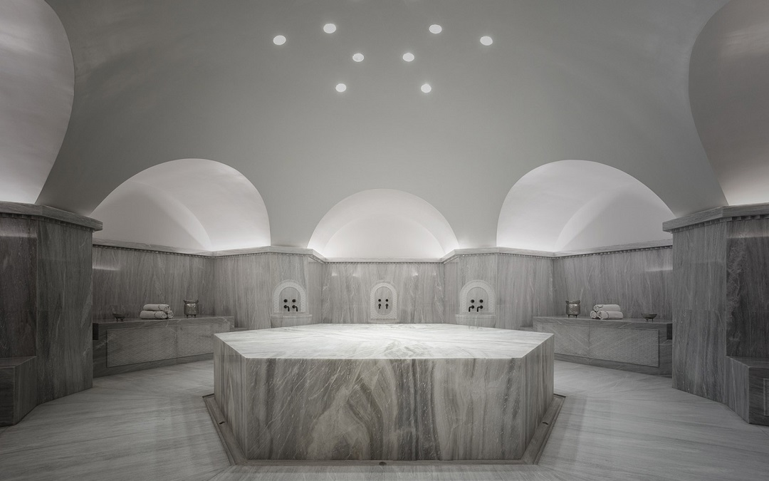 DecaArchitecture carves holistic spa into Greek mountain